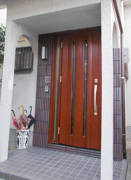 玄関戸の取替工事
