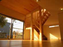杉の階段と天井